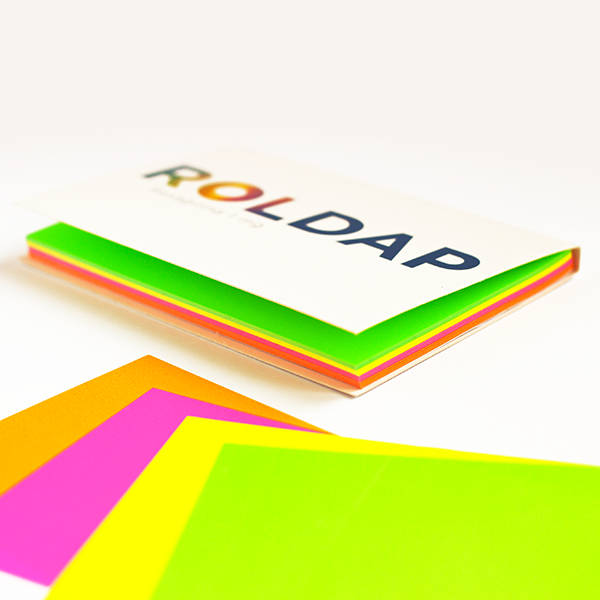 Sticky static notepad rainbow with 4 colours cover customization. 1 color black printing on the sheets